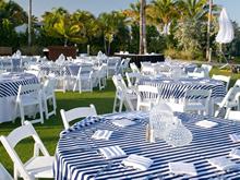 sillas blancas avant garde